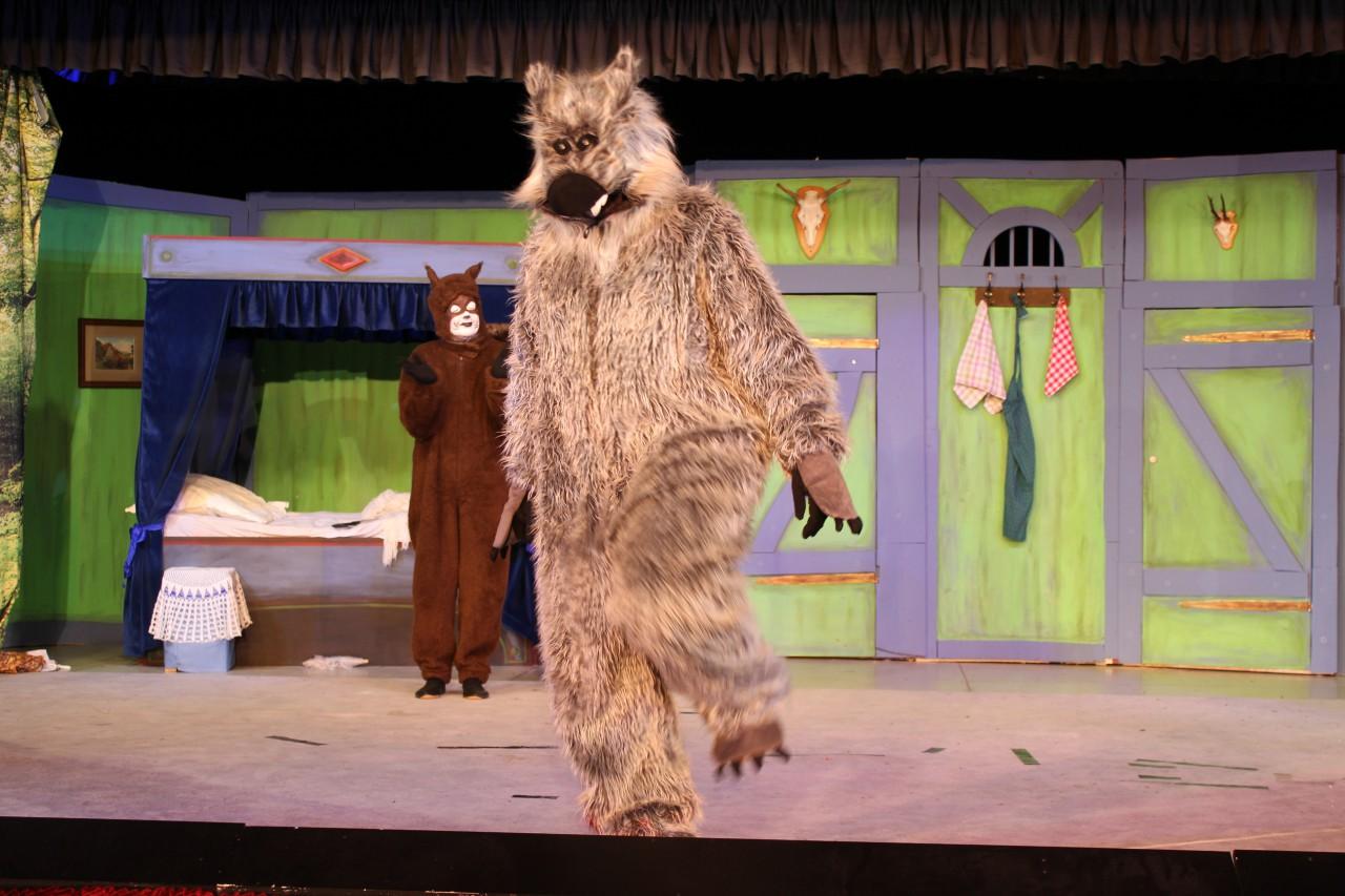 Der große, böse und einsame Wolf kindgerecht in Szene gesetzt von Antje Zahl