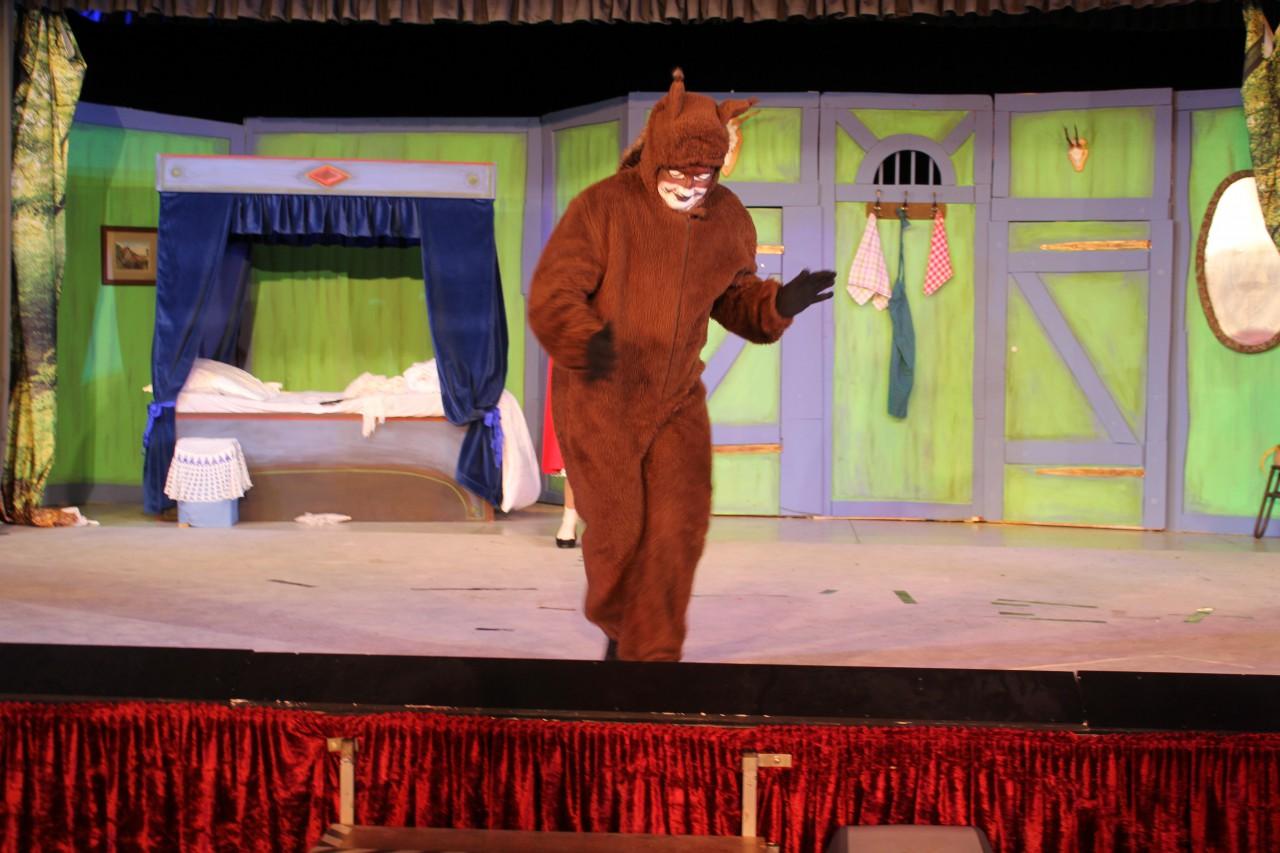 Puschel das Eichhörnchen zauberhaft gespielt von Beate Clermont