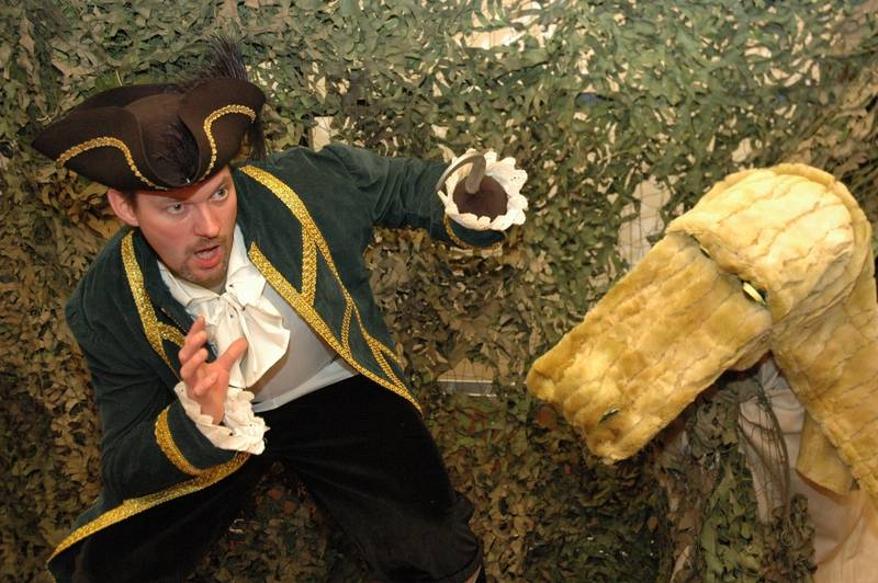 Hook hat Angst, dass ihm das Krokodil noch mal erwischt.