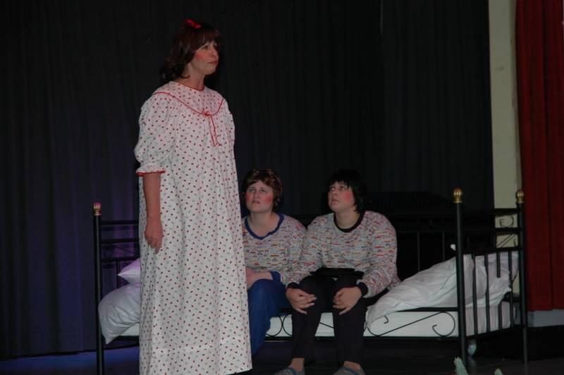 Wendy möchte, dass ihre Brüder John und Michael endlich schlafen.