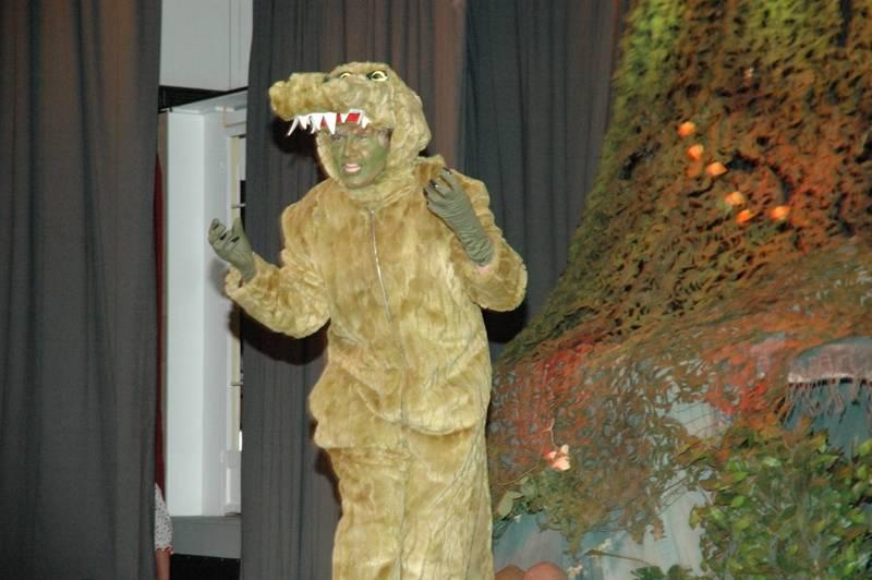 Das Krokodil (Petra Schumann) ist Hook auf den Fersen.