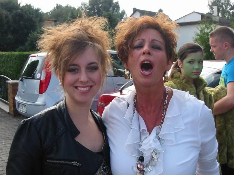 Oh wie ist das schön, Mutter und Tochter so zu sehen…